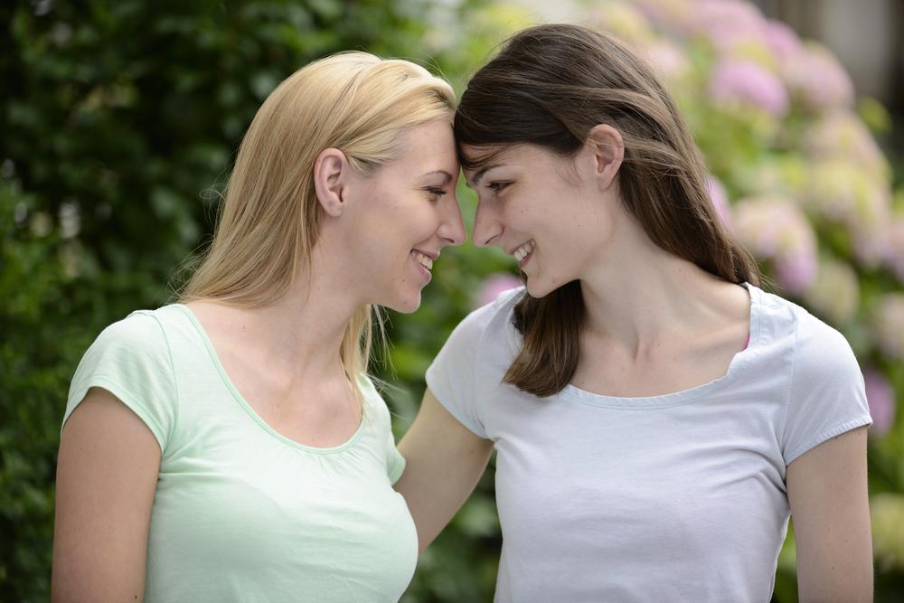 cuplu femei