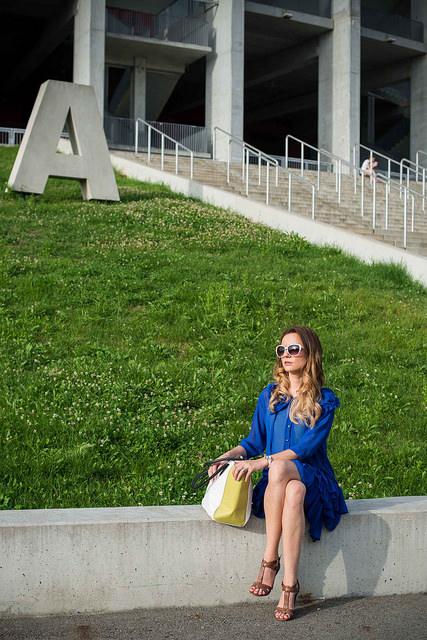 Rochie albastru alectric din voal