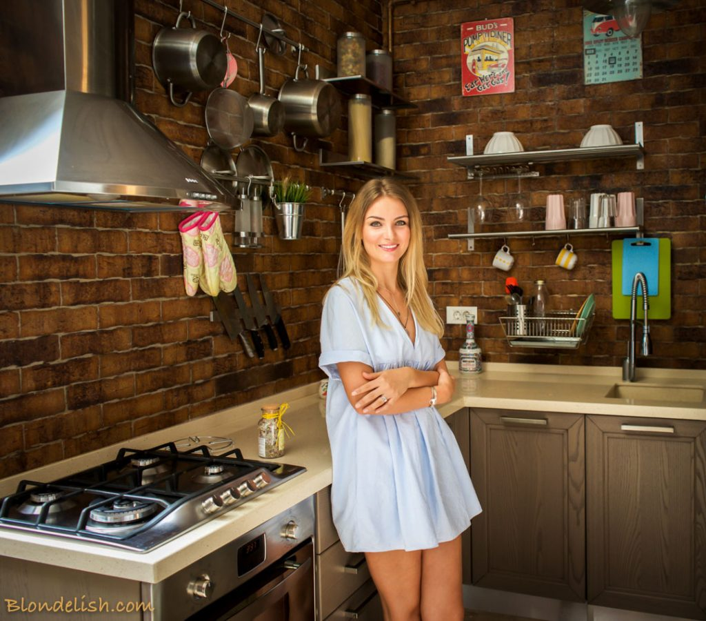 blondelish-in-the-kitchen-2